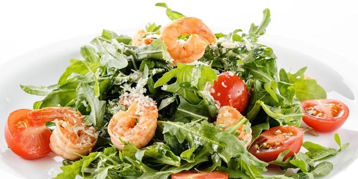 Салат рукколой с креветками рецепт с