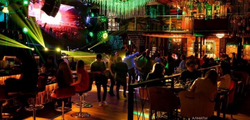Ночной клуб трансляция смотреть бесплатно ночной клуб бульвар в москве