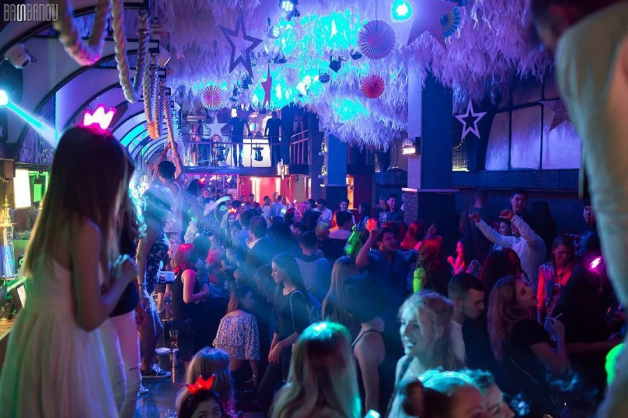 Ночной клуб территория адреса лучший стриптиз клуб в мире